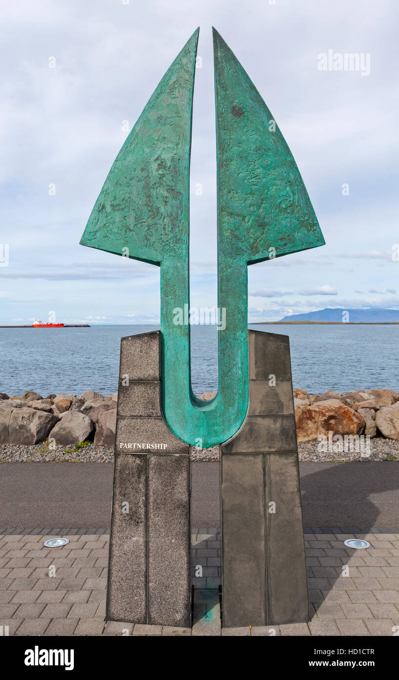 The Sculpture Partnership signaling the friendship between the United States and Iceland. - Stock Image