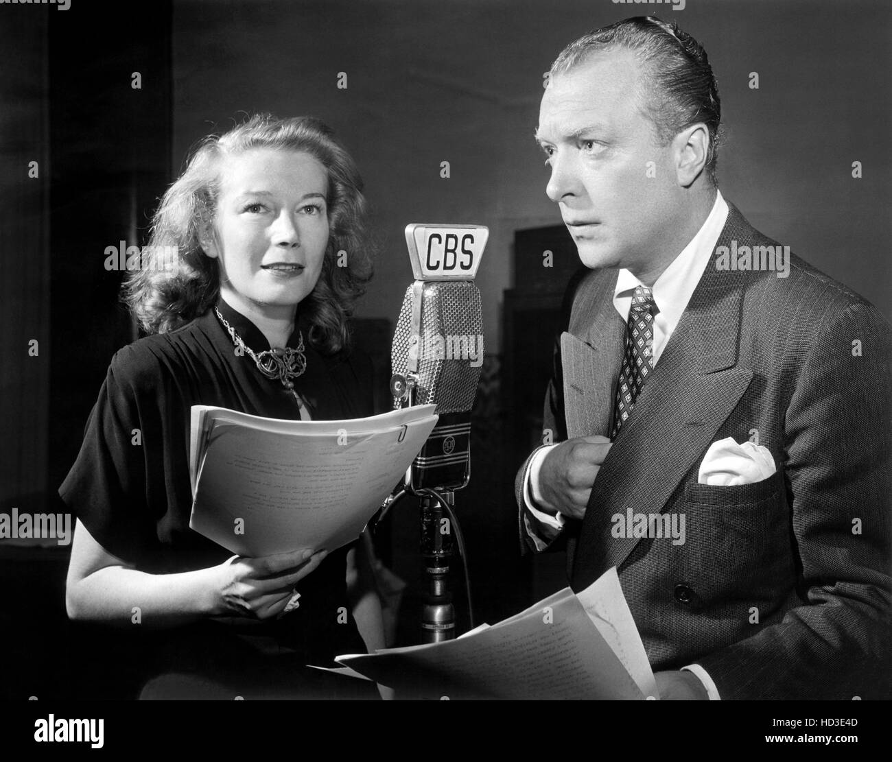 THE GUIDING LIGHT, (from left): Lesley Woods, Staats Cotsworth, (C.B.S. Radio, 1949), 1937-56 Stock Photo