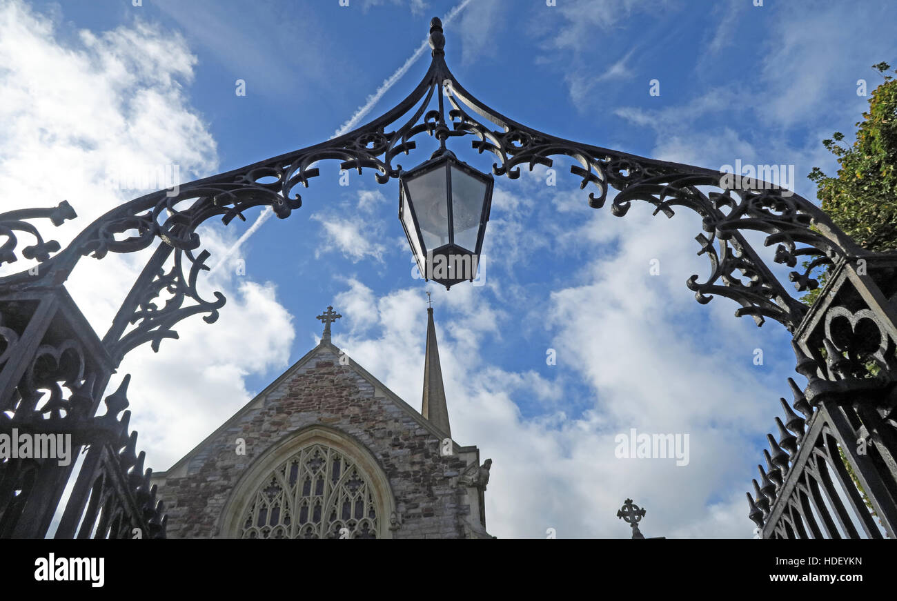 SDC,Sedgemoor,District,Council,Sedgemoor District,archway,to,St,Marys Church,St Marys Church,St,Marys,north,North Somerset,county,Bridgewater,SW,England,lamp,history,historic,metal,steel,cast iron,Christian,religion,holy,religious,grade,I,listed,grade I,Virgin,Virgin Mary,Mary,GoTonySmith,@HotpixUK,Tony,Smith,UK,GB,Great,Britain,United,Kingdom,English,British,England,problem,with,problem with,issue with,Buy Pictures of,Buy Images Of,Images of,Stock Images,Tony Smith,United Kingdom,Great Britain,British Isles
