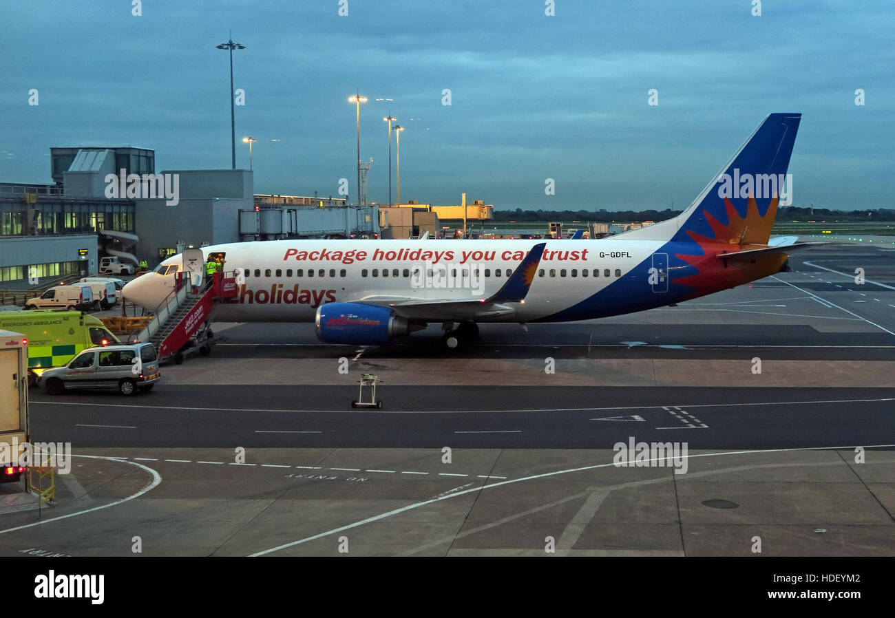 Ringway,night,morning,early,charter,airplane,air,jet,International,Airport,at,dusk,gate,Manchester,low,cost,low-cost,scheduled,route,routes,CAA,Civil,Aviation,Authority,passengers,Dart,Group,PLC,airline,Executive,Chairman,Boeing,737,757,Jet2.com,International Airport,Dart Group,Philip Meeson,GoTonySmith,@HotpixUK,Tony,Smith,UK,GB,Great,Britain,United,Kingdom,English,British,England,problem,with,problem with,issue with,Buy Pictures of,Buy Images Of,Images of,Stock Images,Tony Smith,United Kingdom,Great Britain,British Isles