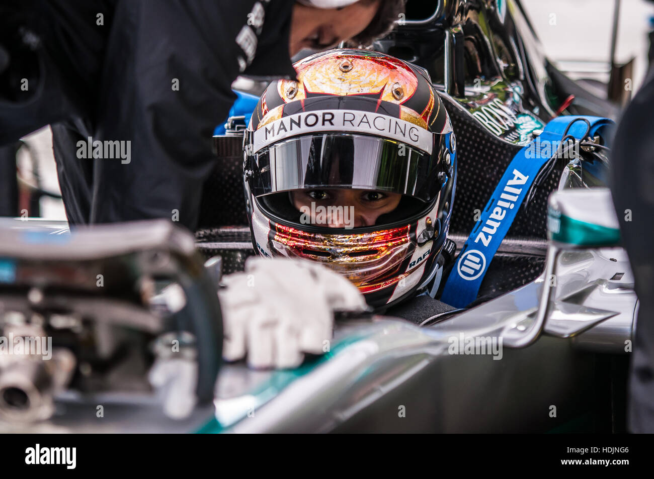 pascal-wehrlein-in-a-mercedes-formula-1-car-at-the-2016-goodwood-festival-HDJNG6.jpg