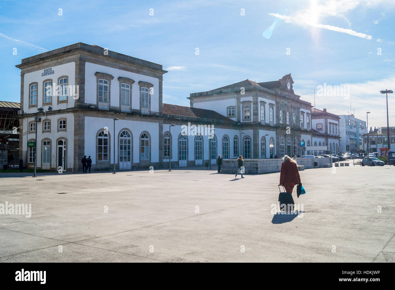 campanha-comboios-de-portugal-railway-station-1875-porto-oporto-portugal-HDKJWP.jpg