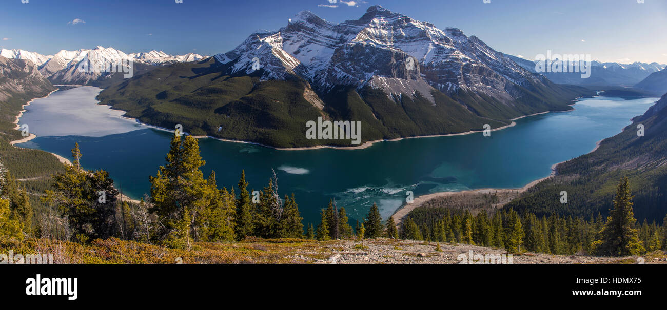 wide-panoramic-view-of-lake-minnewanka-f