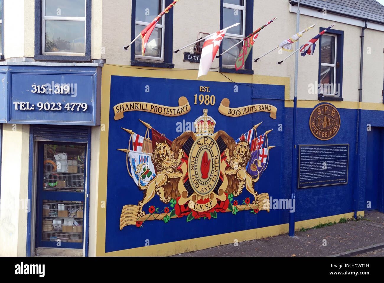 Red hand,Ulster,memorial,UFF,Unionist,mural,off,Shankill,rd,Road,West Belfast,Northern Ireland,UK,Ireland,fighter,fighting,Shankill,Protestant,Boys,Flute,Band,mural,artwork,art,SPB,USSF,GoTonySmith,@HotpixUK,Tony,Smith,UK,GB,Great,Britain,United,Kingdom,Irish,British,Ireland,problem,with,problem with,issue with,NI,Northern,Northern Ireland,Belfast,City,Centre,Art,Artists,the,troubles,The Troubles,Good Friday Agreement,Peace,honour,painting,wall,walls,tribute,Unionist,unionism,Protestant,community,Fight,Justice,West,Beal,feirste,martyrs,social,tour,tourism,tourists,urban,six,counties,6,backdrop,county,Antrim,UVF,DUP,British,GB,Empire,Buy Pictures of,Buy Images Of,Images of,Stock Images,Tony Smith,United Kingdom,Great Britain,British Isles,Belfast protestant community,Peoples army,Shankill Protestant Boys
