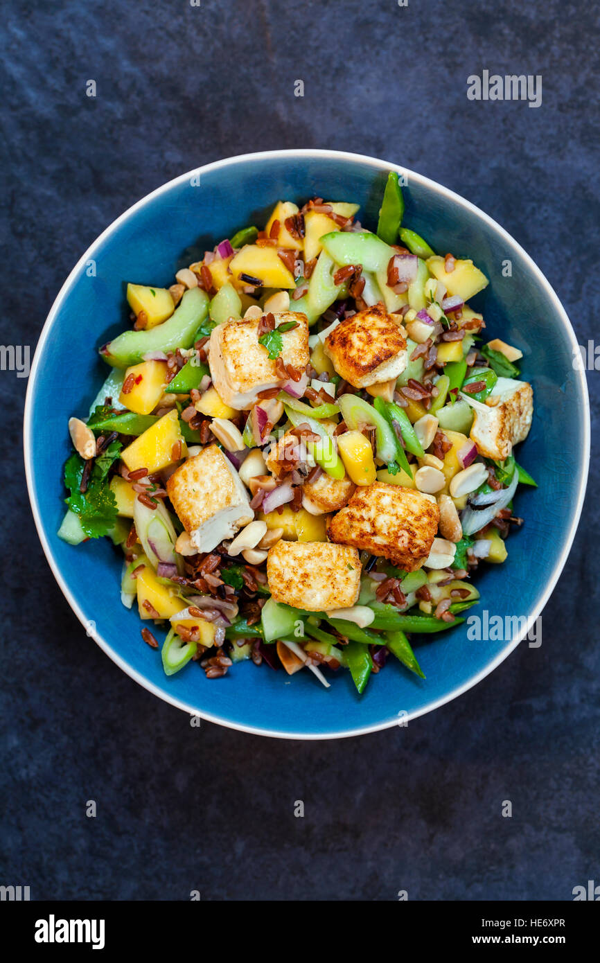 Vegan salad with tofu - Stock Image