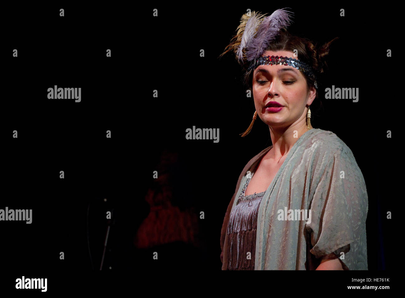 Actress in flapper costume playing in the comedy Hay Fever Stock Photo