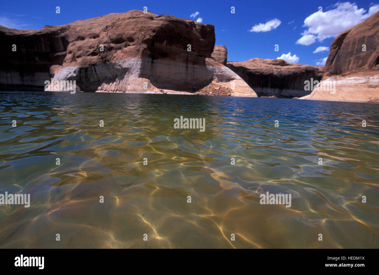 reflection-canyon-in-lake-powell-glen-ca