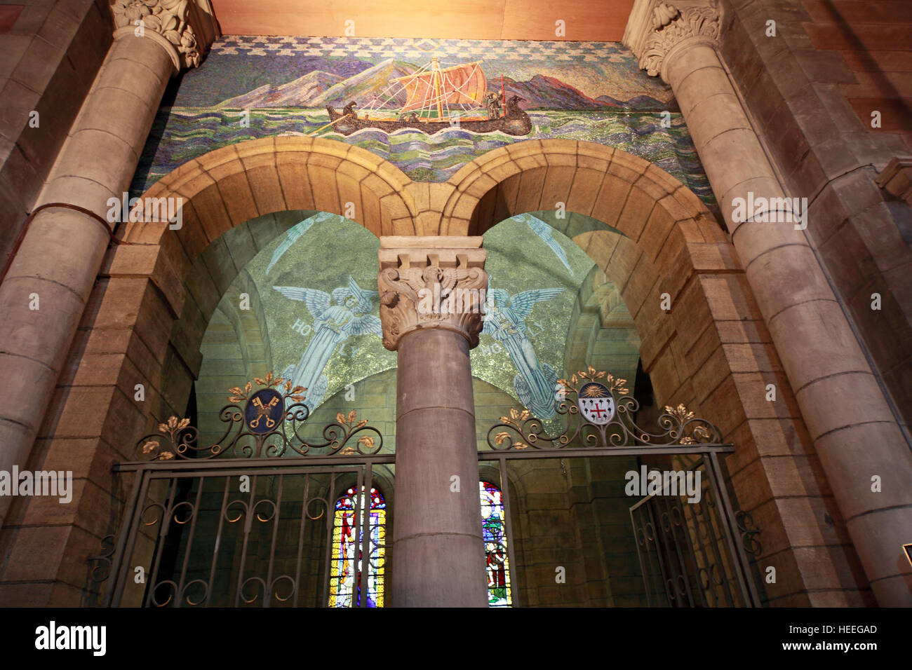 Inside,architecture,building,stone,arch,holy,St Annes,Belfast Cathedral,saint,Annes,ship,on,archway,gate,arch,archway gate,artwork,boat,religion,protestant,maritime,GoTonySmith,@HotpixUK,Tony,Smith,UK,GB,Great,Britain,United,Kingdom,Irish,British,Ireland,problem,with,problem with,issue with,NI,Northern,Northern Ireland,Belfast,City,Centre,Art,Artists,the,troubles,The Troubles,Good Friday Agreement,Peace,honour,painting,wall,walls,tribute,republicanism,Fight,Justice,West,Beal,feirste,martyrs,social,tour,tourism,tourists,urban,six,counties,6,backdrop,county,Antrim,Quarter,Buy Pictures of,Buy Images Of,Images of,Stock Images,Tony Smith,United Kingdom,Great Britain,British Isles