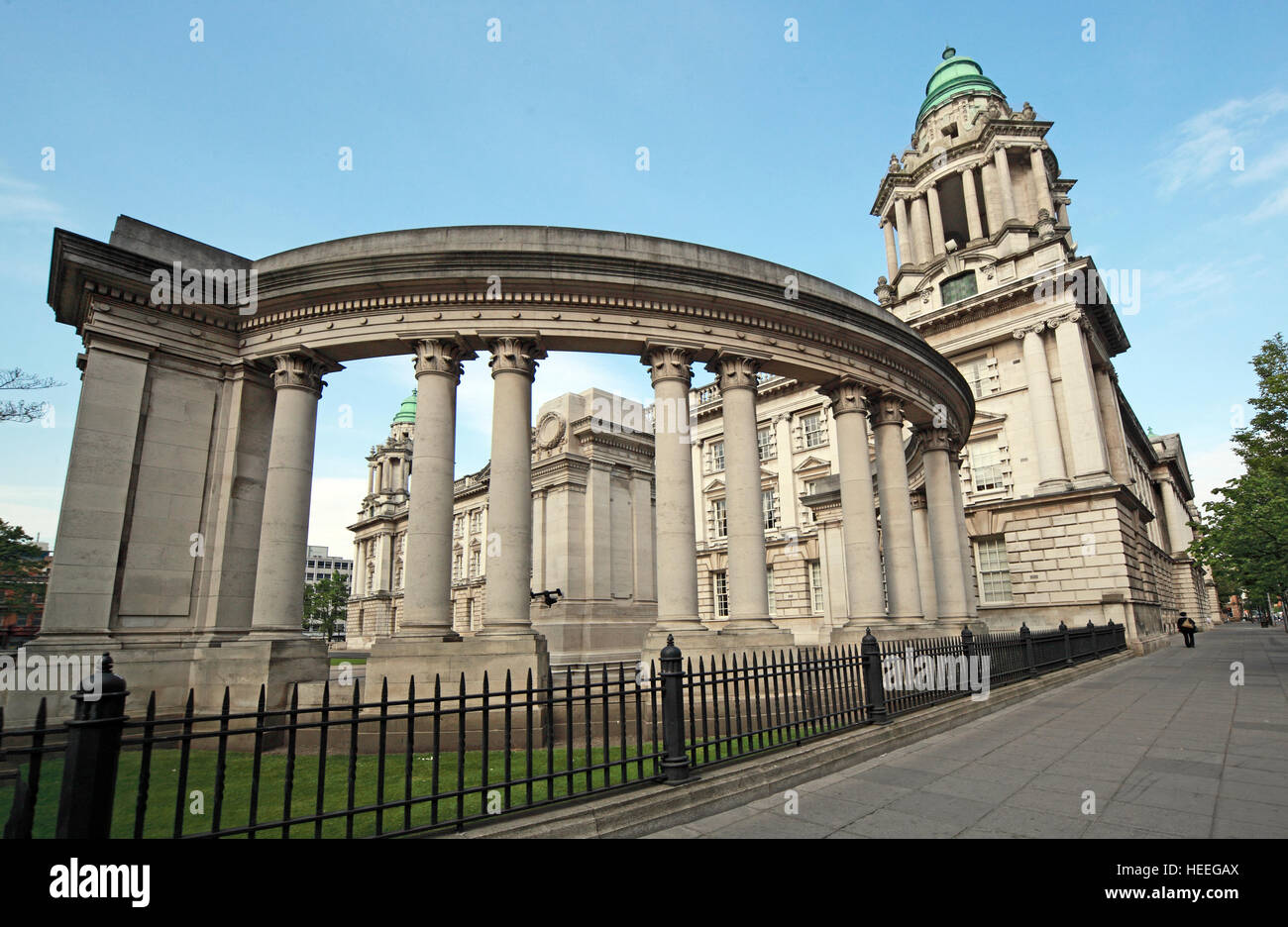 Belfast City Hall,Baroque,Revival,Architecture,building,white,stone,Donegall Square,Northern,Ireland,GoTonySmith,@HotpixUK,Tony,Smith,UK,GB,Great,Britain,United,Kingdom,Irish,British,Ireland,problem,with,problem with,issue with,NI,Northern,Northern Ireland,Belfast,City,Centre,Art,Artists,the,troubles,The Troubles,Good Friday Agreement,Peace,honour,painting,wall,walls,tribute,republicanism,Fight,Justice,West,Beal,feirste,martyrs,social,tour,tourism,tourists,urban,six,counties,6,backdrop,county,Antrim,Buy Pictures of,Buy Images Of,Images of,Stock Images,Tony Smith,United Kingdom,Great Britain,British Isles,Irish History,Ireland History,Northern Ireland History