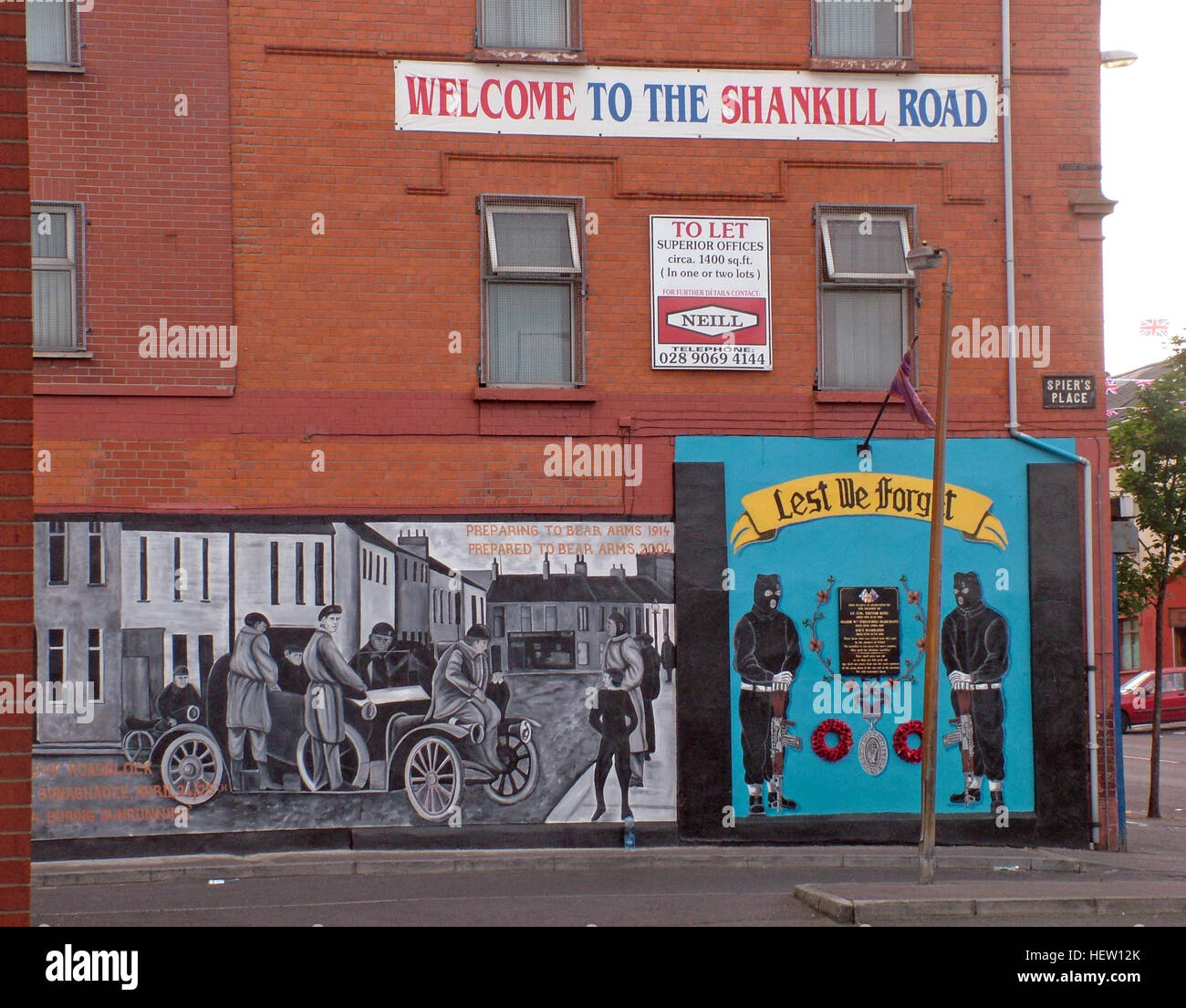 Unionist,British,Shankil,rd,painting,art,artist,martyr,fighter,para,paramilitary,soldier,wall,gable,end,gable end,community,protestant,Shankill Road Mural,West,West Belfast,NI,Northern Ireland,brick,GoTonySmith,@HotpixUK,Tony,Smith,UK,GB,Great,Britain,United,Kingdom,Irish,British,Ireland,problem,with,problem with,issue with,NI,Northern,Northern Ireland,Belfast,City,Centre,Art,Artists,the,troubles,The Troubles,Good Friday Agreement,Peace,honour,painting,wall,walls,tribute,unionism,Fight,Justice,West,Beal,feirste,martyrs,social,tour,tourism,tourists,urban,six,counties,6,backdrop,county,Antrim,DUP,democratic Unionist,red hand,of Ulster,Red Hand Of Ulster,Shankill,Rd,road,Shankill Road,streets of Belfast,protestant,religion,intolerance,prejudice,Buy Pictures of,Buy Images Of,Images of,Stock Images,Tony Smith,United Kingdom,Great Britain,British Isles
