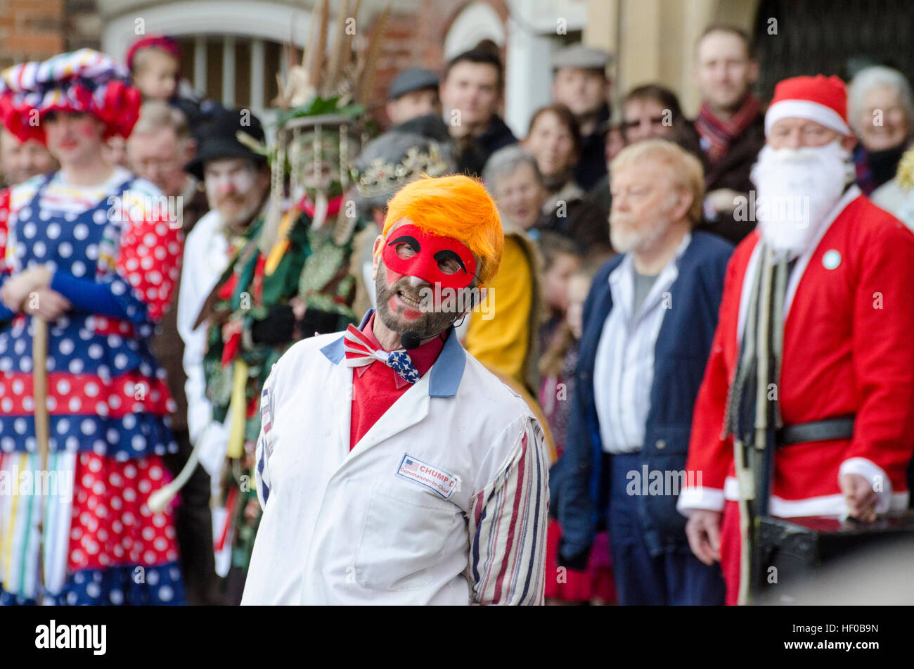 Wantage, UK. 26 Dec 2016. The character of Old Father Beezlebub (this year styled as Donald Trump) played in a traditional - Stock Image
