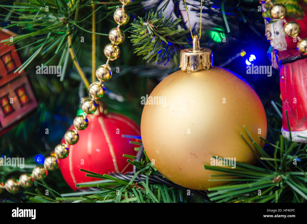 christmas-decorations-hanging-on-a-christmas-tree-HF4EPC.jpg