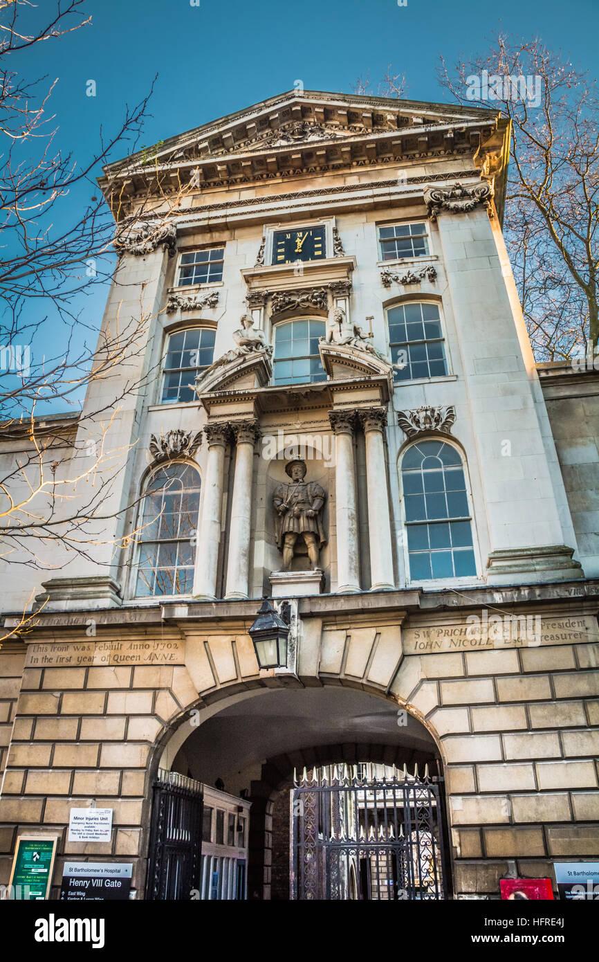 Henry the Eighth's gatehouse, St. Bartholomew's Hospital in West Smithfield, London, UK Stock Photo