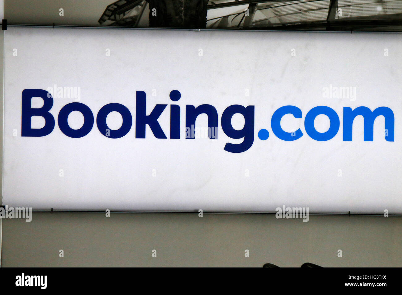 das Logo der Marke 'Booking.com', Berlin. - Stock Image