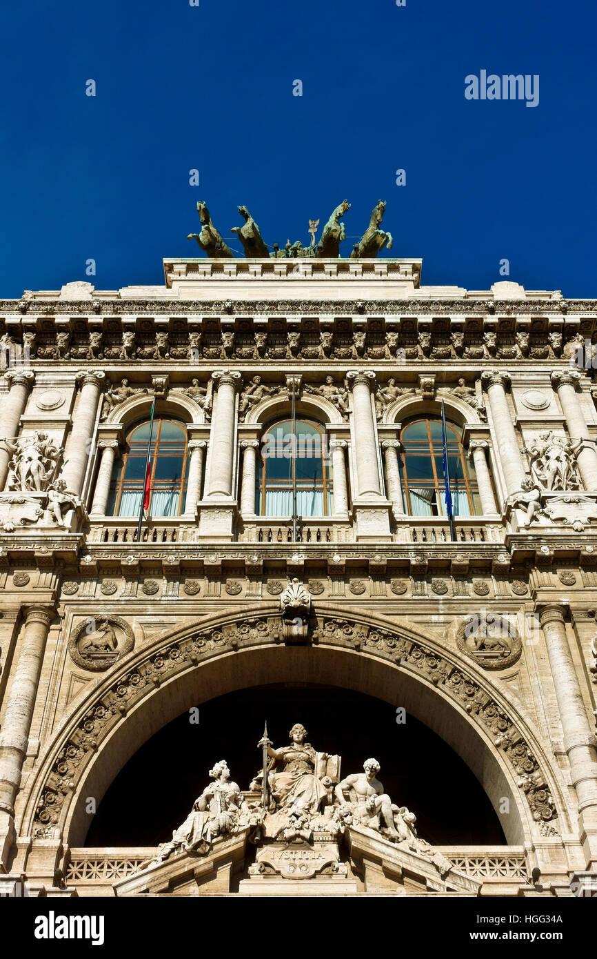 Italian Supreme Court of Cassation (Corte di Cassazione), Palace of Justice, Courthouse. Renaissance, bronze quadriga. - Stock Image