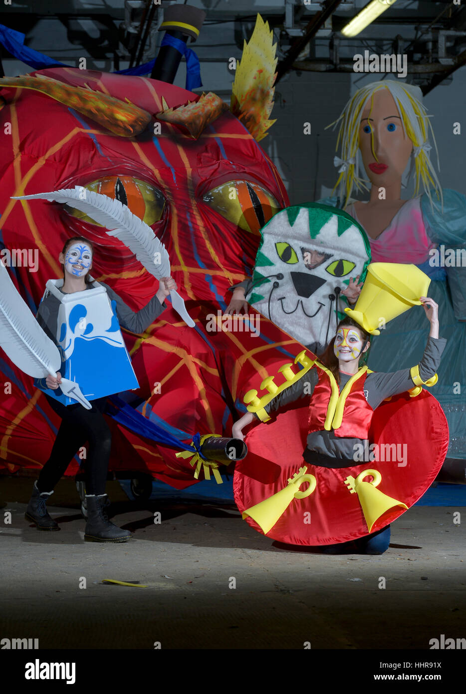 Big Burns Supper Carnival, Dumfries, Scotland. Volunteers from the Big Burns Supper prepare floats and costumes - Stock Image