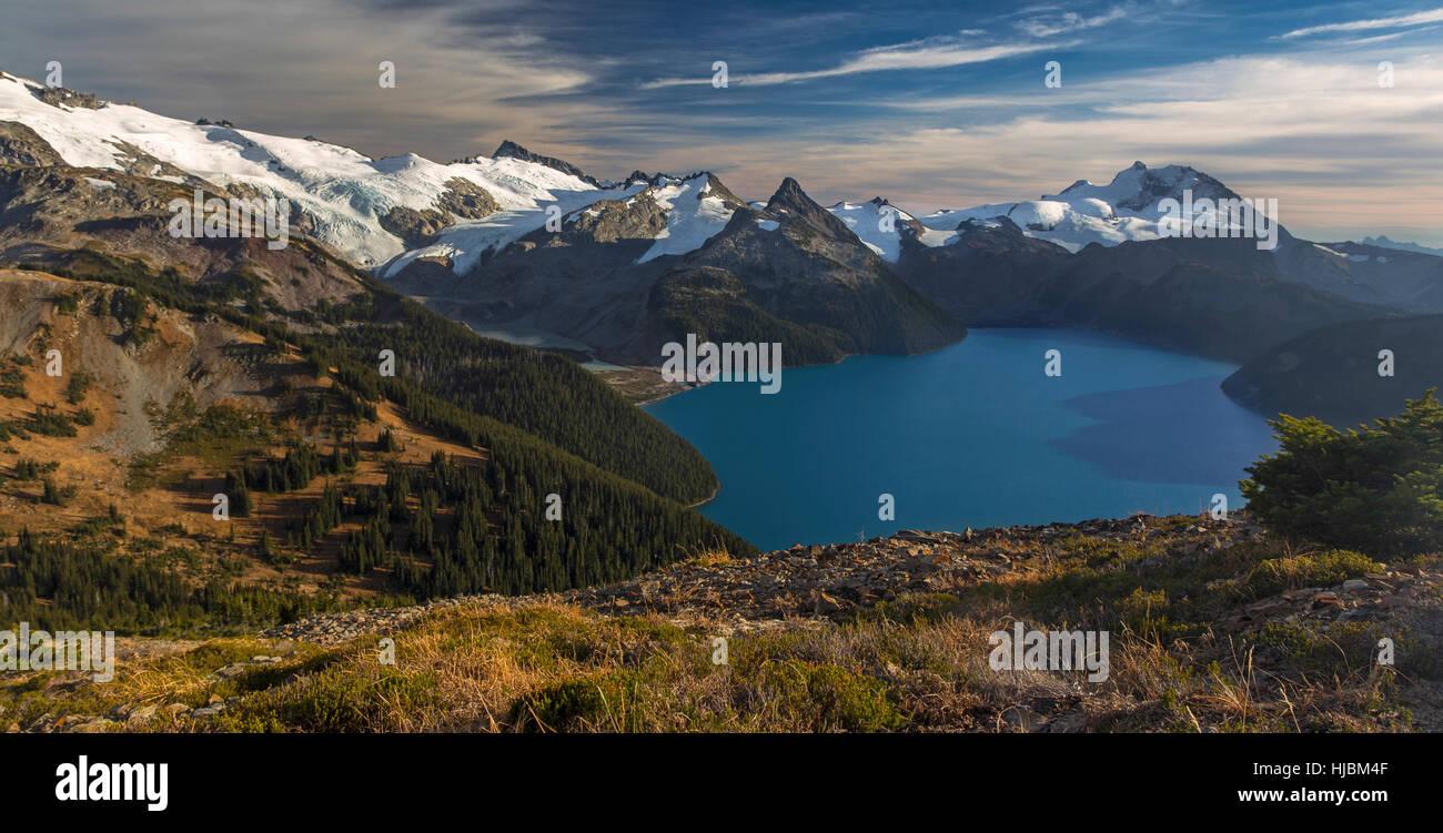 panoramic-landscape-view-of-garibaldi-la