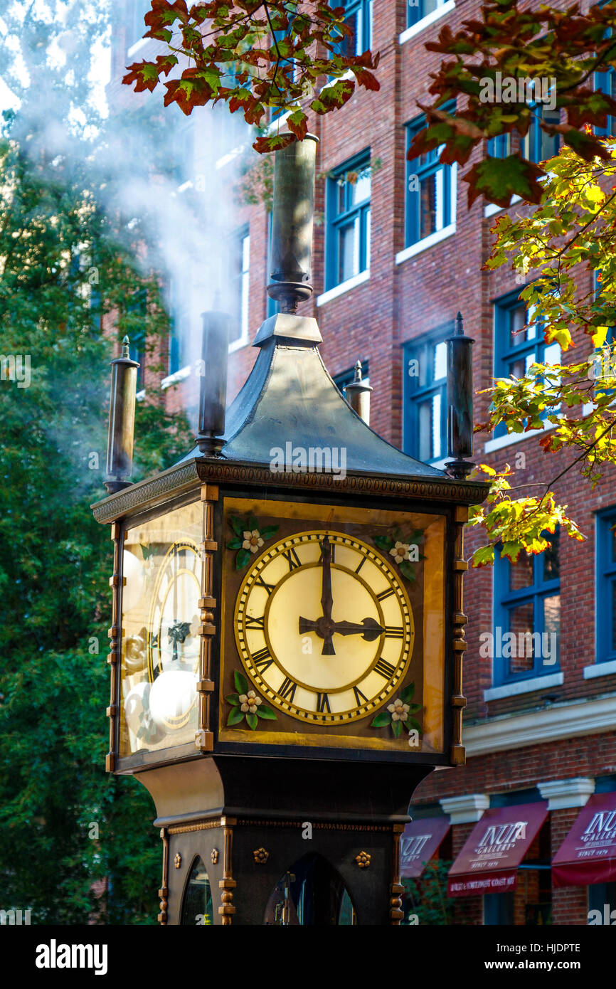The 1977 Steam Clock in Gastown, Vancouver. By Canadian horologist Raymond Saunders. British Columbia, Canada. - Stock Image