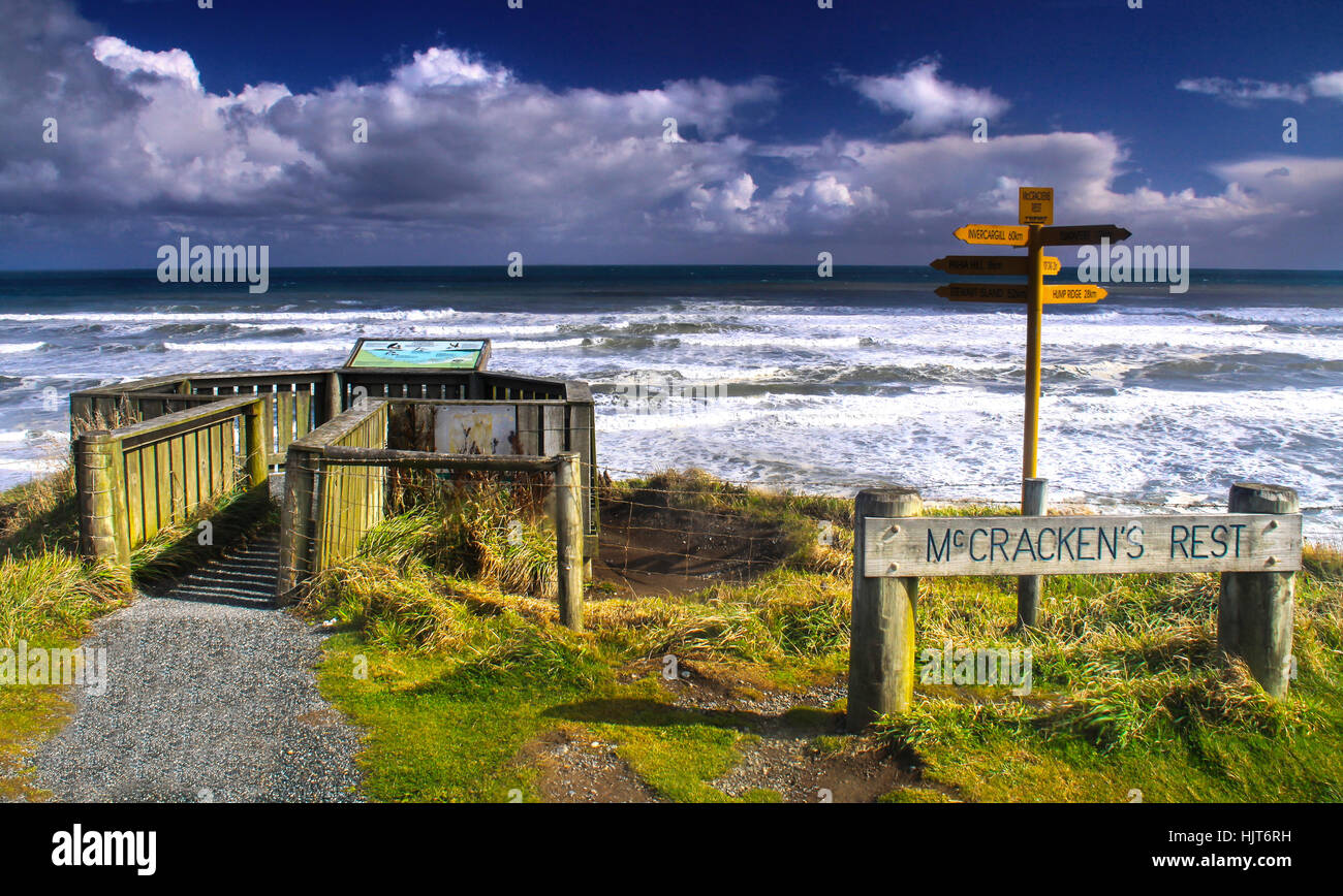 mccrackens-rest-viewpoint-sign-and-dista