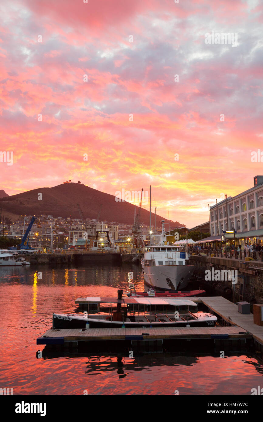 Dramatic sunset over the Victoria & Alfred Waterfront, Cape Town, South Africa - Stock Image