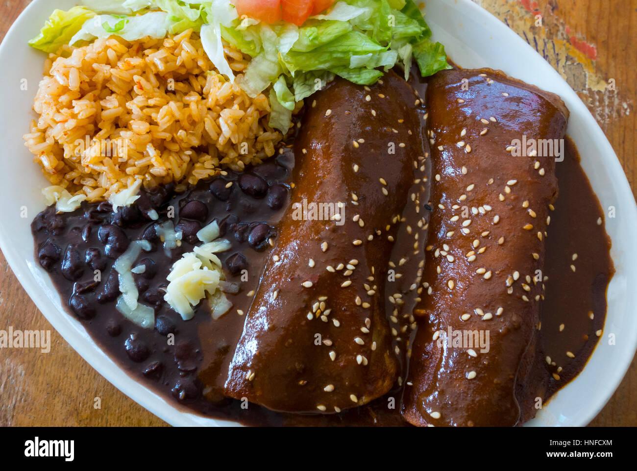 enchiladas-mole-HNFCXM.jpg