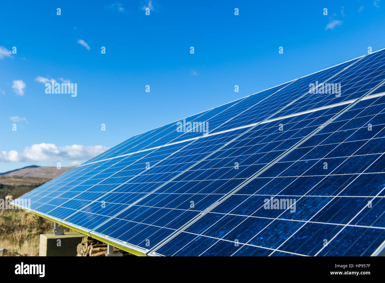 solar-panels-close-up-under-a-blue-sky-with-copy-space-HP957F.jpg