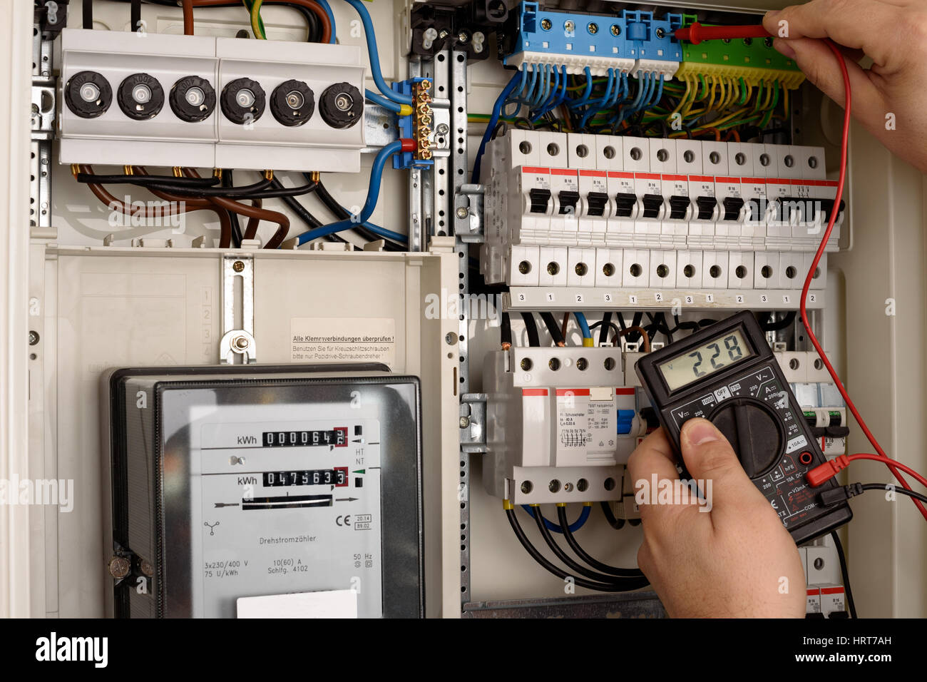 fuse wire stock photos fuse wire stock images alamy holden astra ah fuse  box location