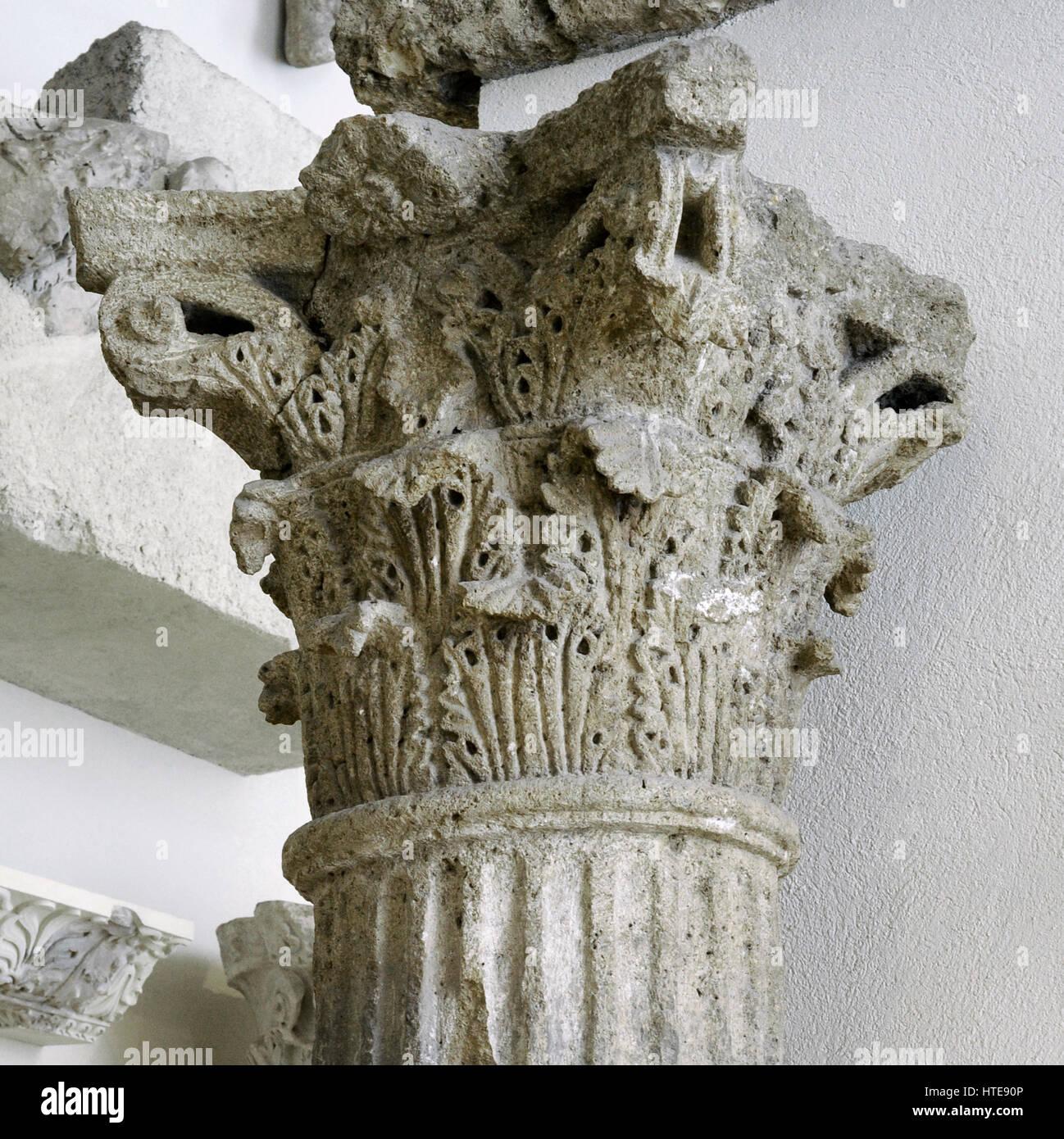 Corinthian capital decorated with acanthus leaves. Roman theatre. 1st century AD. Stone of Medol/Soldo. Tarragona, - Stock Image