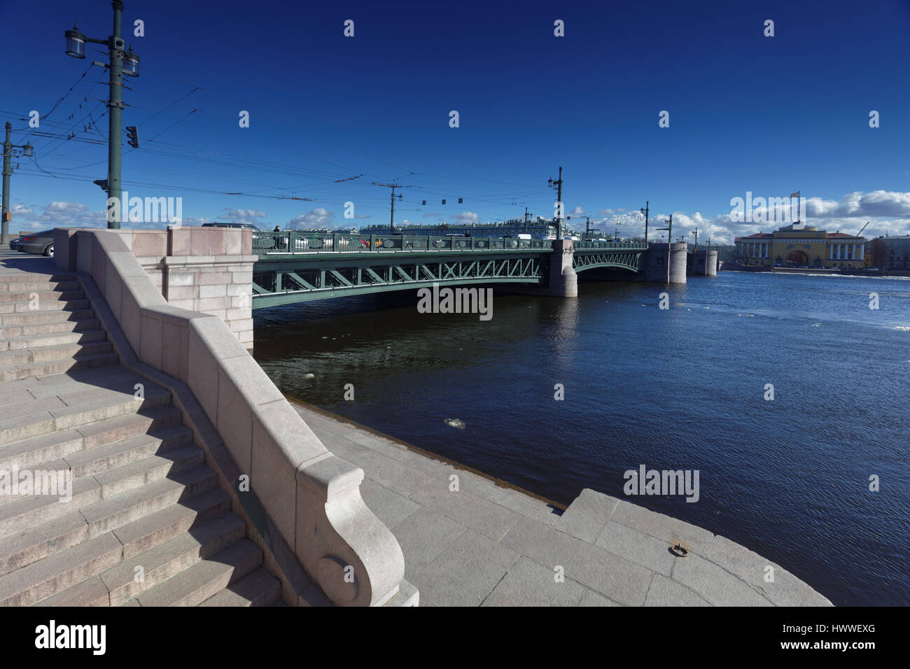 St. Petersburg, Russia, 23rd March, 2017. Palace bridge in a sunny day during the first Ice drift on the river Neva Stock Photo