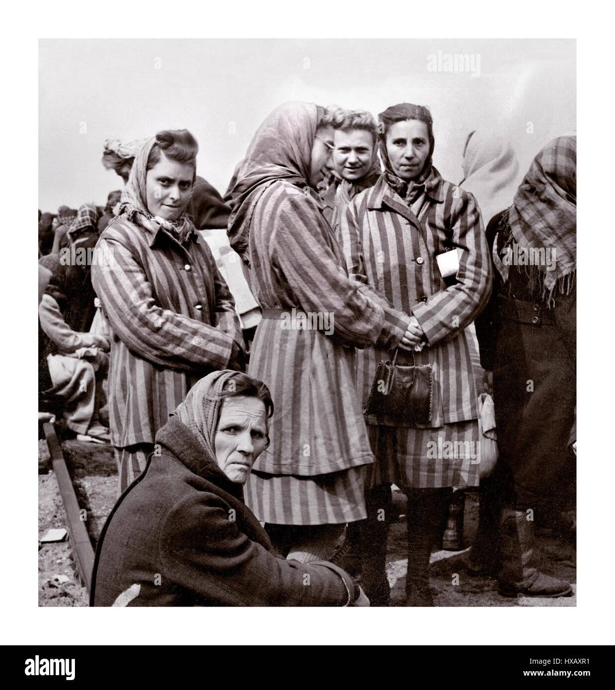 Women prisoners of the Ravensbrück concentration camp just ... Rawensbruck Memoire De Femmes