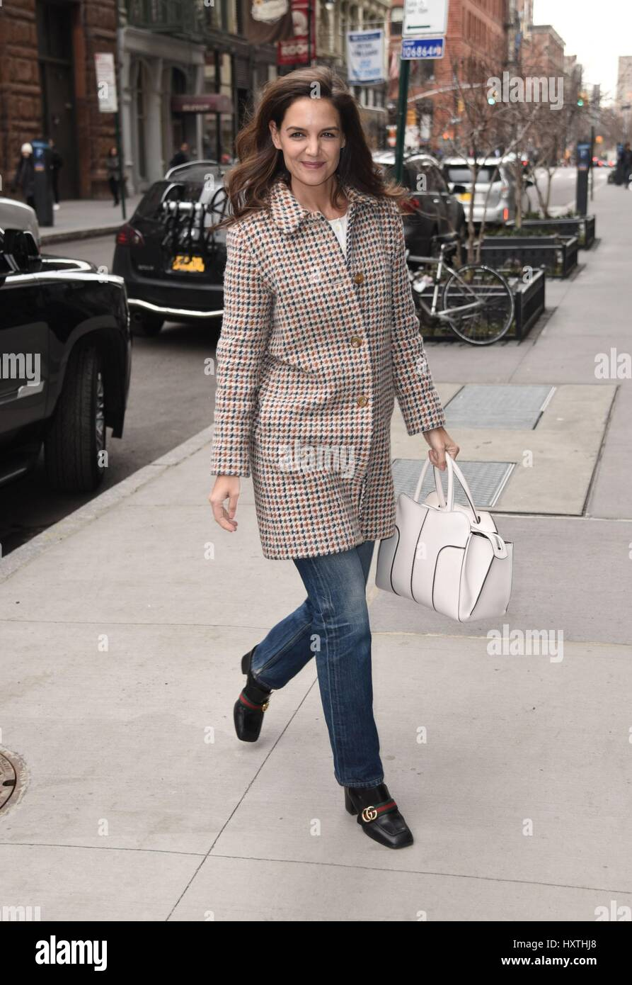 New York, NY, USA. 30th Mar, 2017. Katie Holmes out and about for Celebrity Candids - THU, New York, NY March 30, - Stock Image