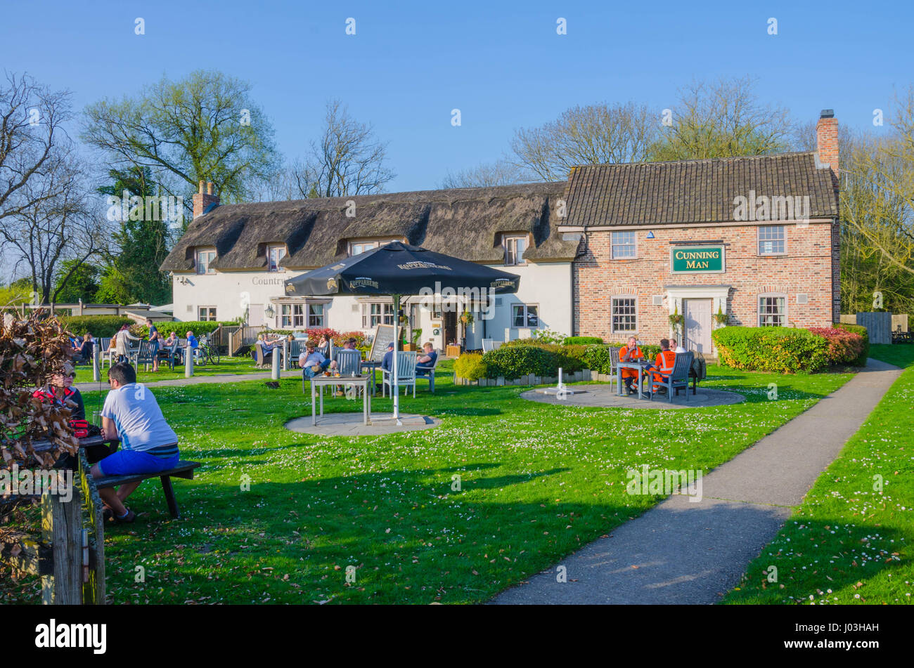 The Cunning Man pub and restaurant on the Burghfield Road in Reading, Berkshire, UK. - Stock Image