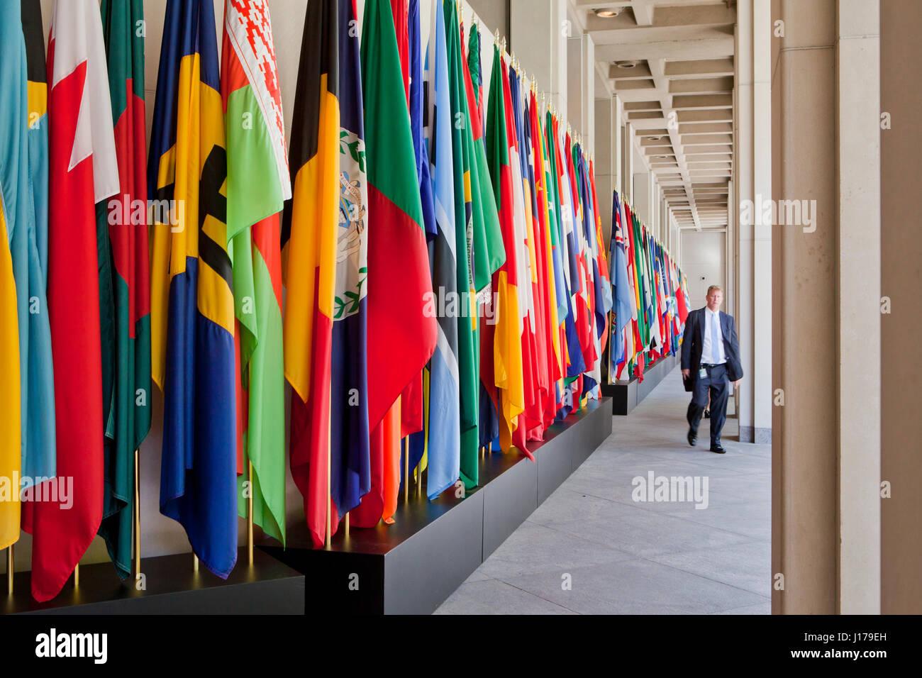 Washington, USA. 18th Apr, 2017. The 2017 International Monetary Fund (IMF) Spring Meetings are underway in Washington, - Stock Image