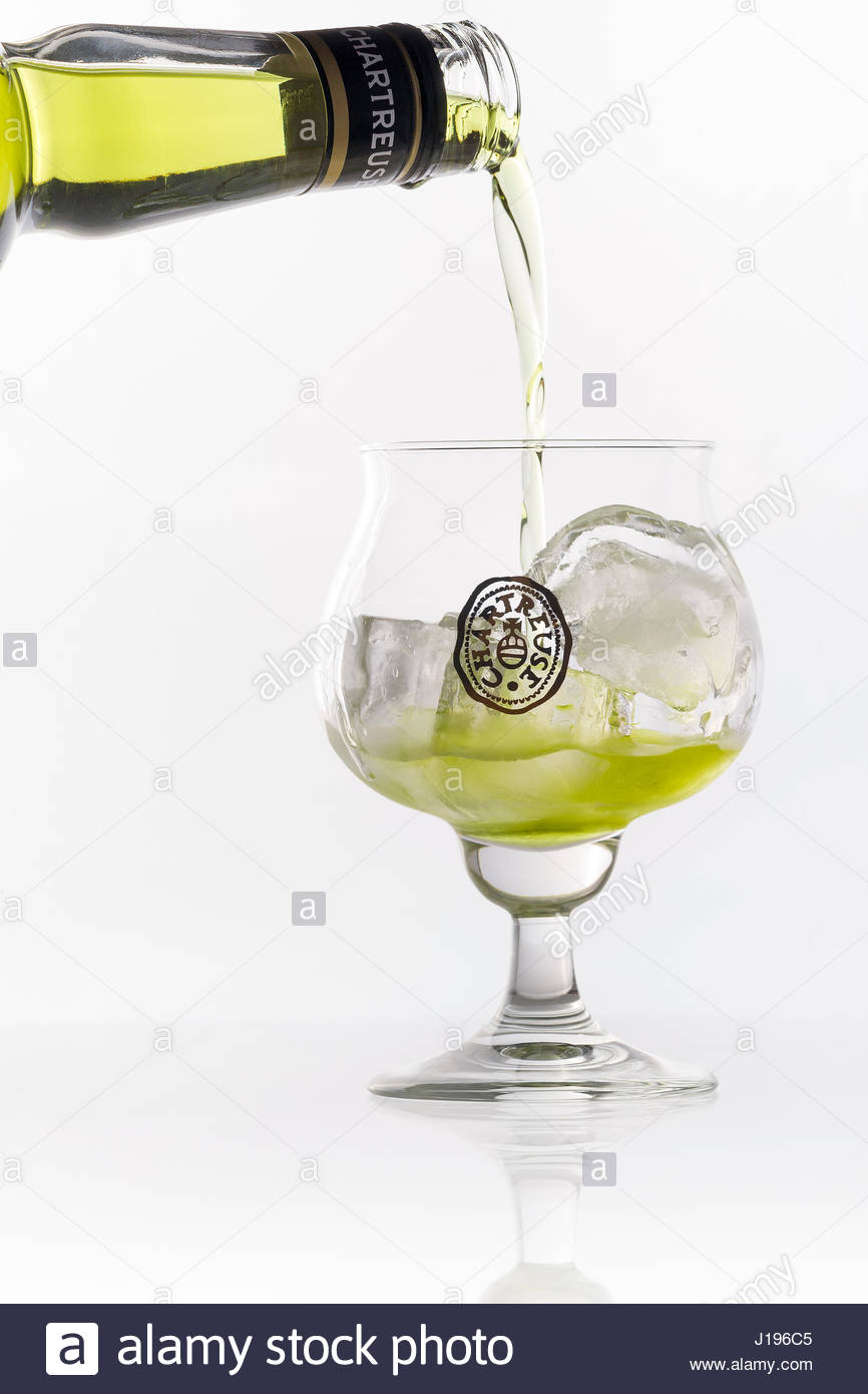 green-chartreuse-on-the-rocks-J196C5.jpg