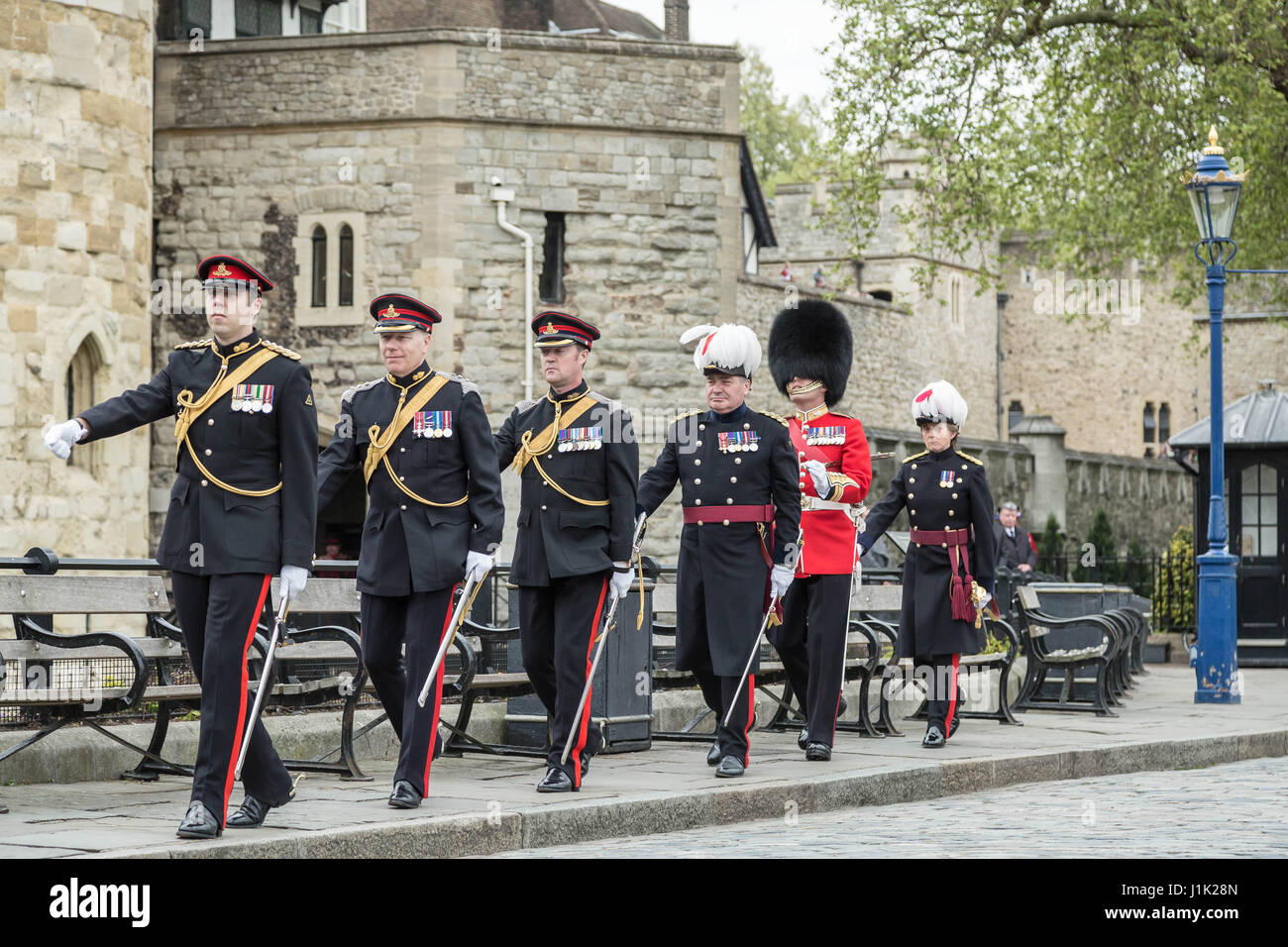 London, UK. 21st April, 2017. 62-gun salute fired by the Honourable Artillery Company at the Tower of London on - Stock Image