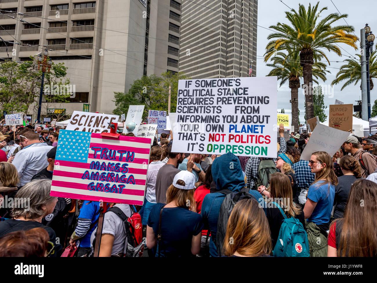 San Francisco, California, USA. 22nd April, 2017. The crowd swells beyond Justin Herman Plaza where an Earth Day - Stock Image