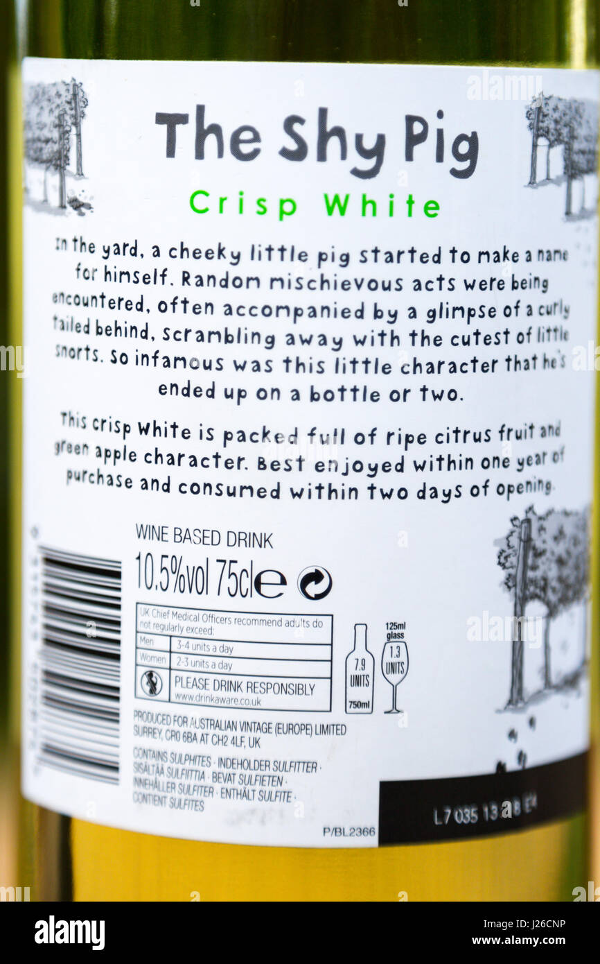 the-shy-pig-crisp-white-australian-vintage-wine-based-drink-is-it-J26CNP.jpg