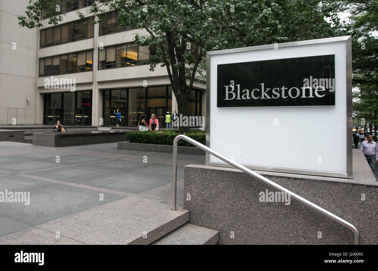 manhattan-office-location-of-blackstone-