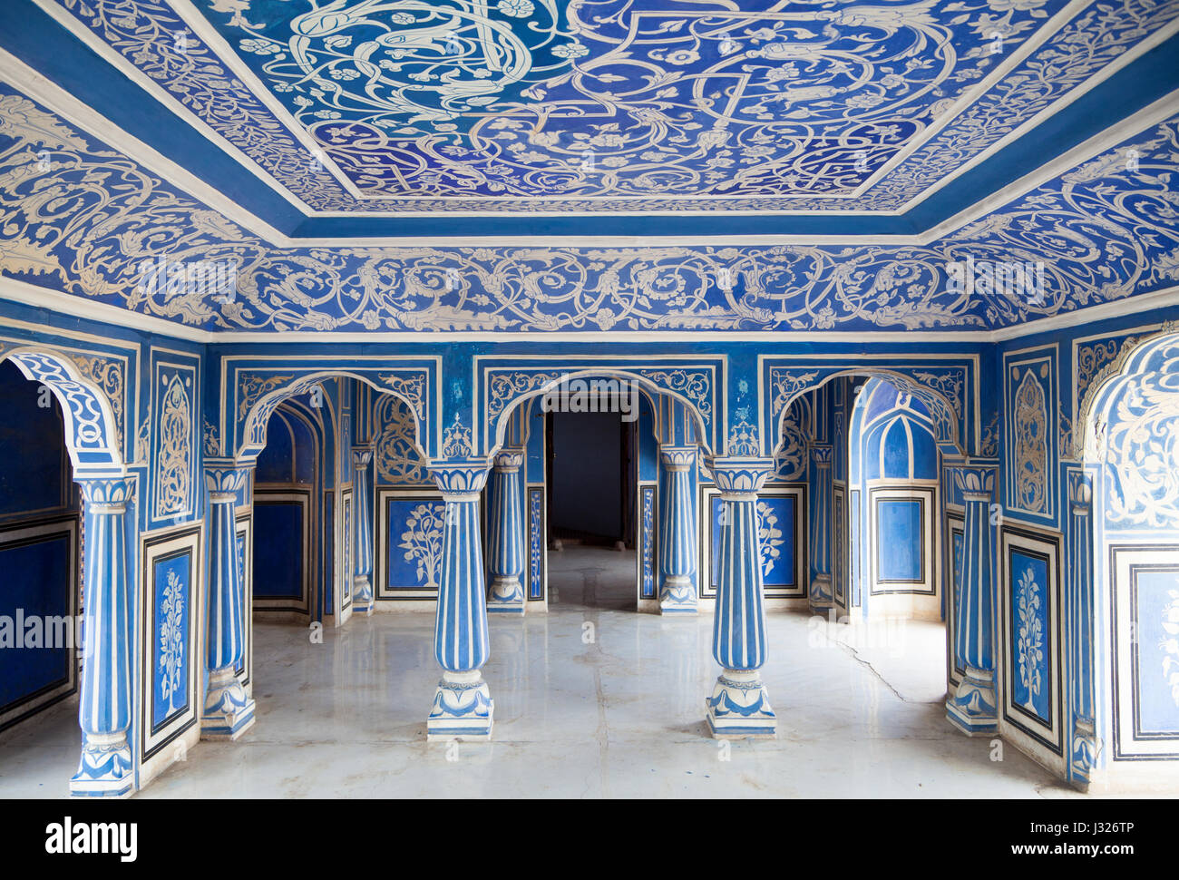 "The ""Sukh Nivas"" (Hall of Rest) on the 2nd floor of the Chandra Mahal at the City Palace of Jaipur in Rajasthan, Stock Photo"