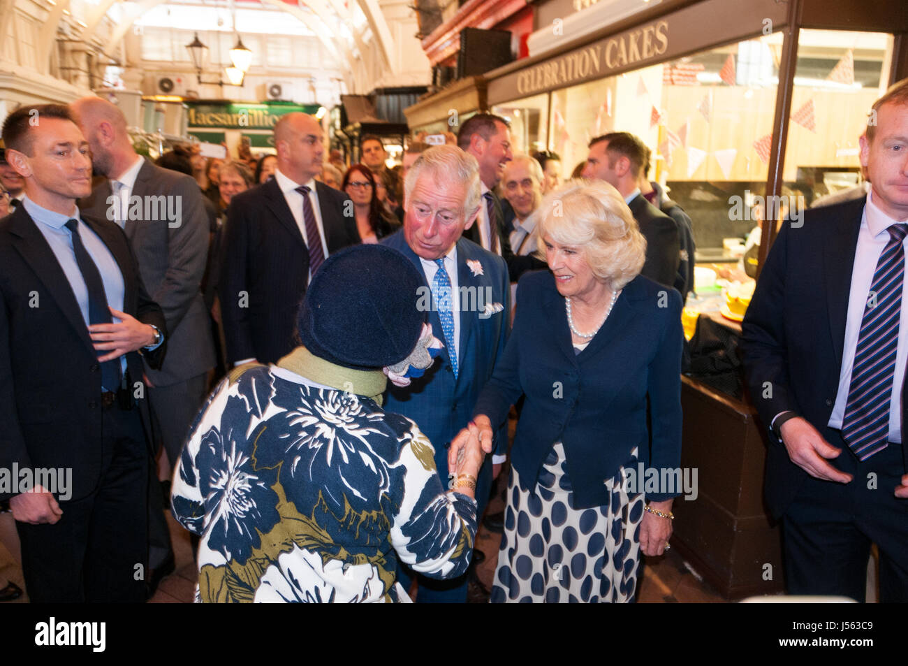 oxford-oxfordshire-uk-16th-may-2017-prince-charles-and-camilla-visiting-J563C9.jpg