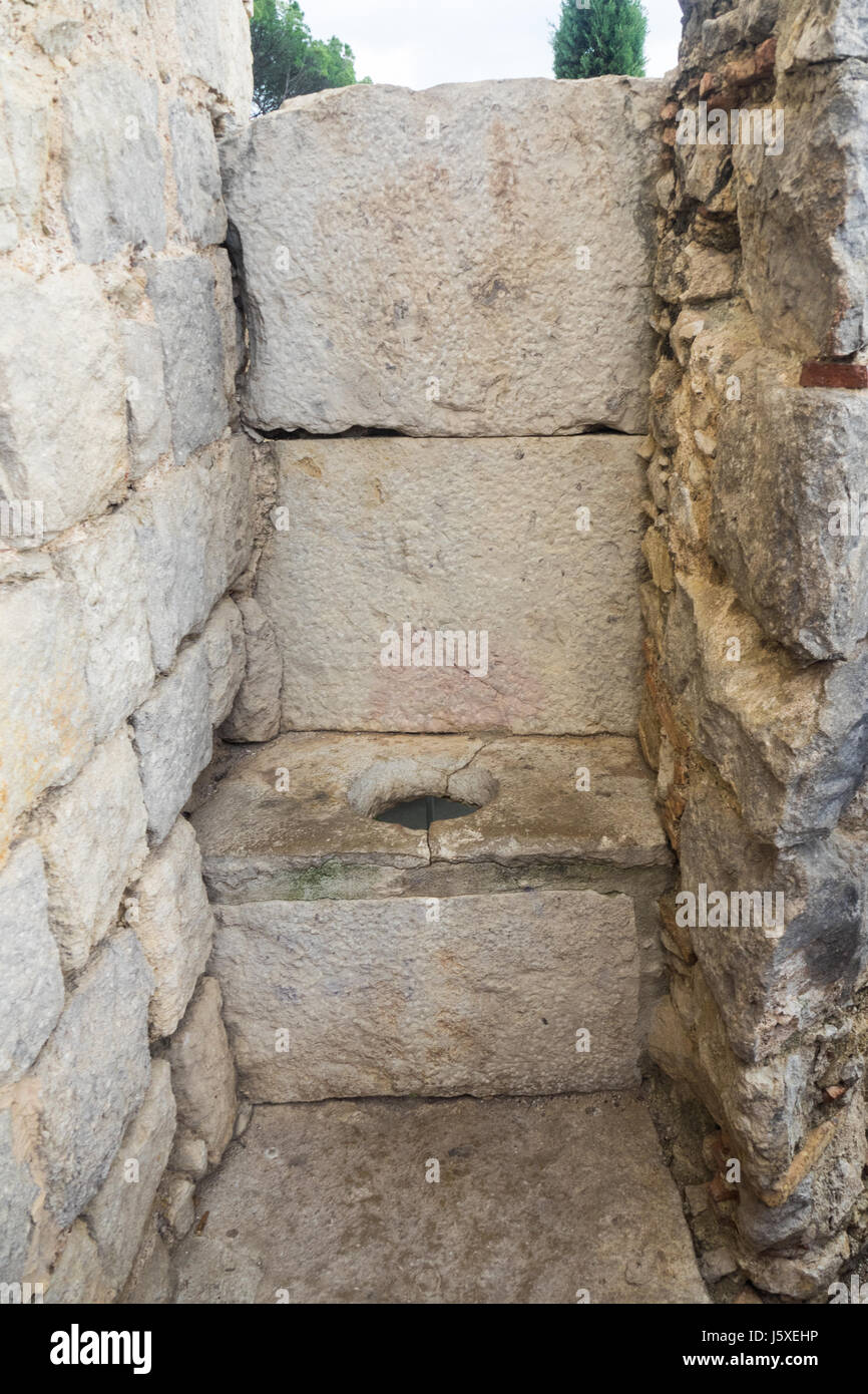 a-medieval-drop-toilet-built-into-the-walls-surrounding-the-old-town-J5XEHP.jpg