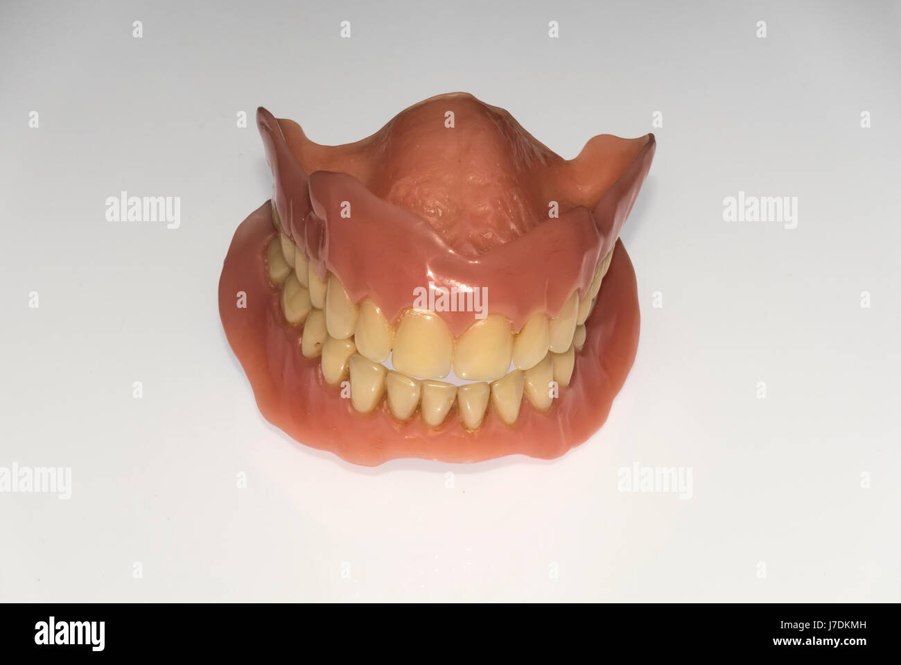 full-set-of-false-teeth-J7DKMH.jpg