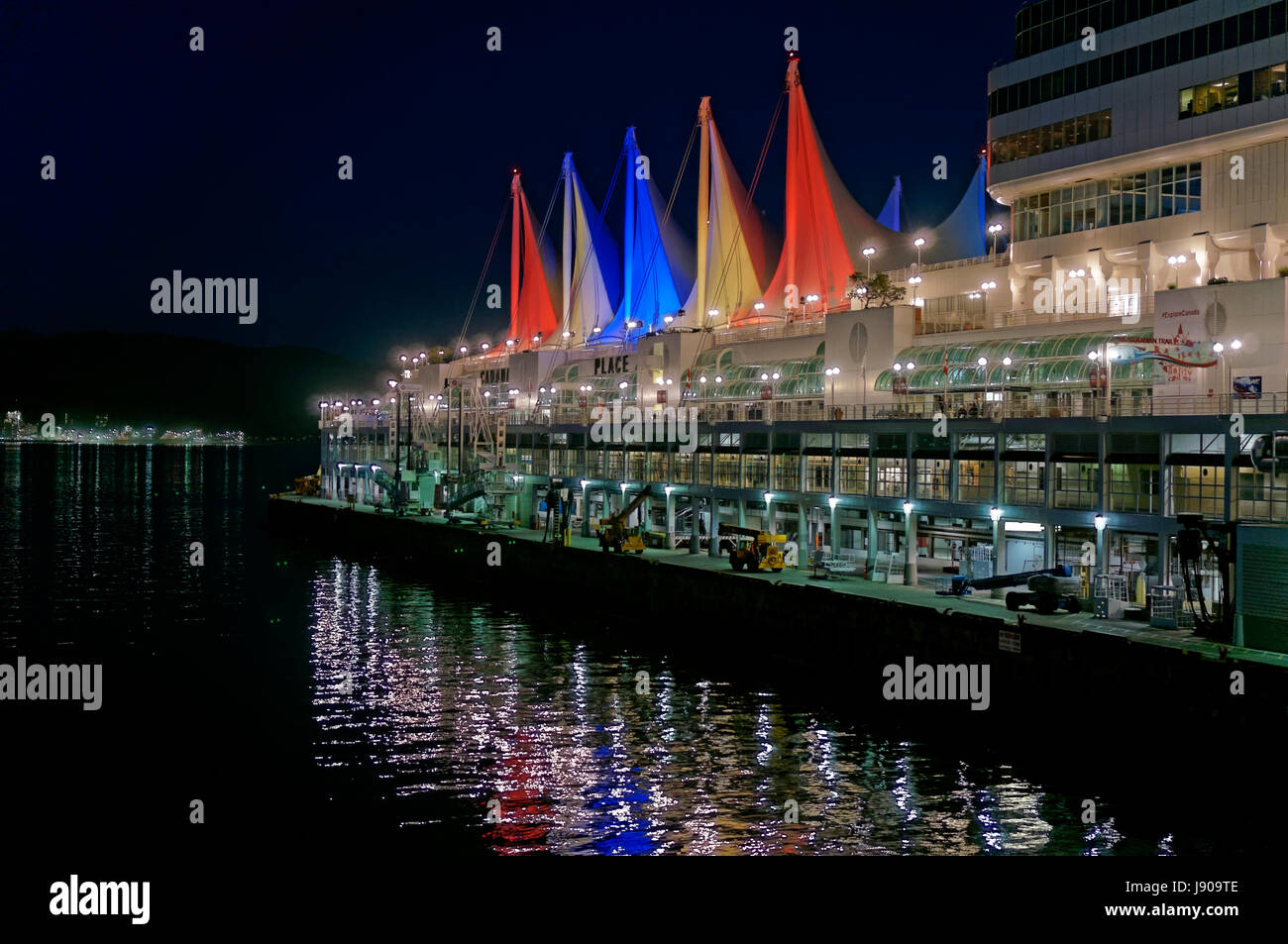 canada-place-sails-and-cruise-terminal-d