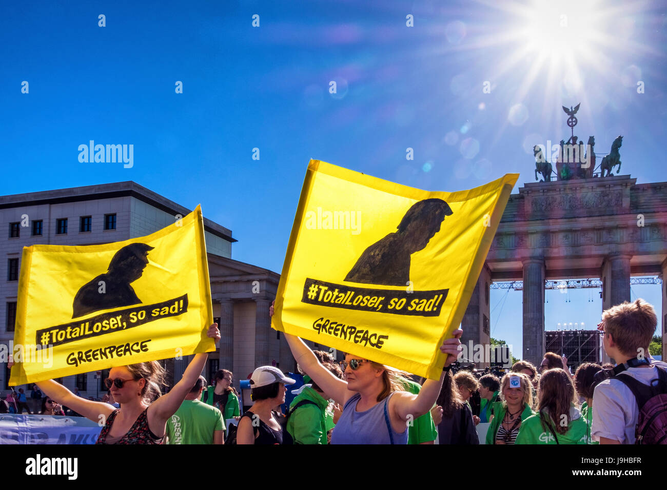 Berlin, Germany. 2nd June, 2017. Green Peace & Berliners protest outside US Embassy after President Donald Trump Stock Photo
