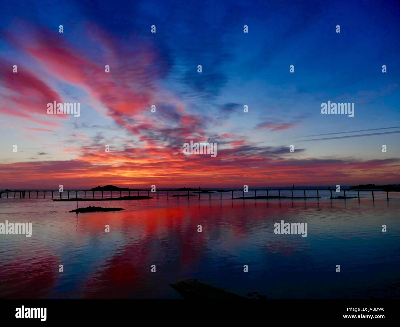 brilliant-red-and-blue-june-sunrise-look