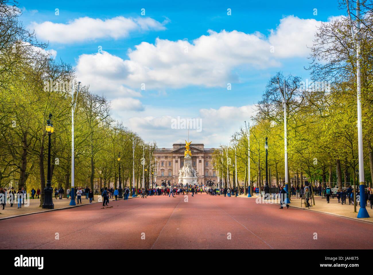 Buckingham Palace and Street The Mall, Westminster, London, England, United Kingdom Stock Photo