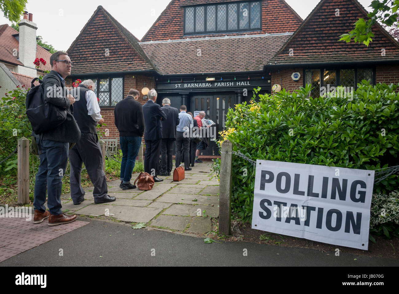 london-8th-june-2017-early-voters-for-th