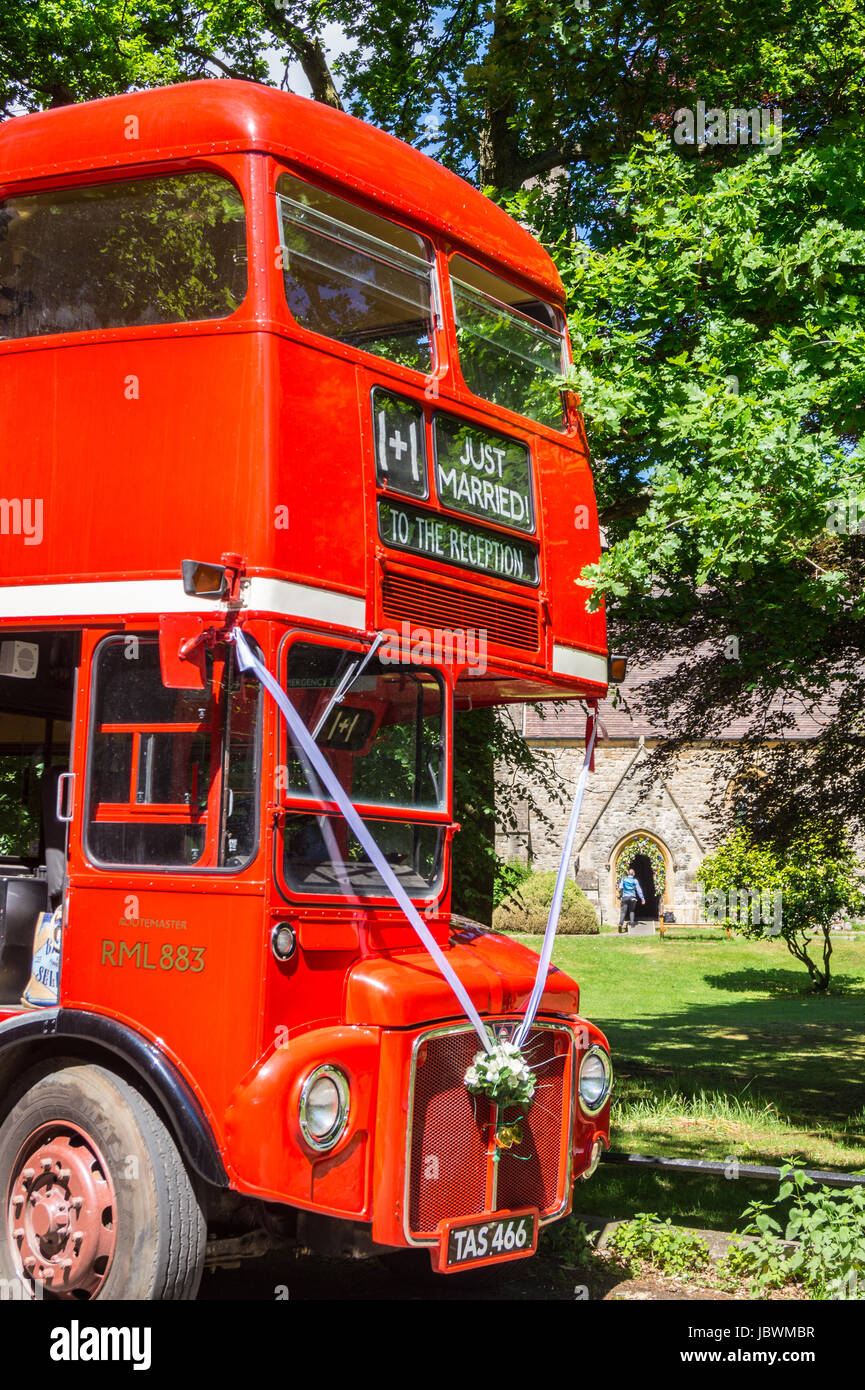 routemaster-red-double-decker-london-bus-rml883-used-as-a-wedding-JBWMBR.jpg