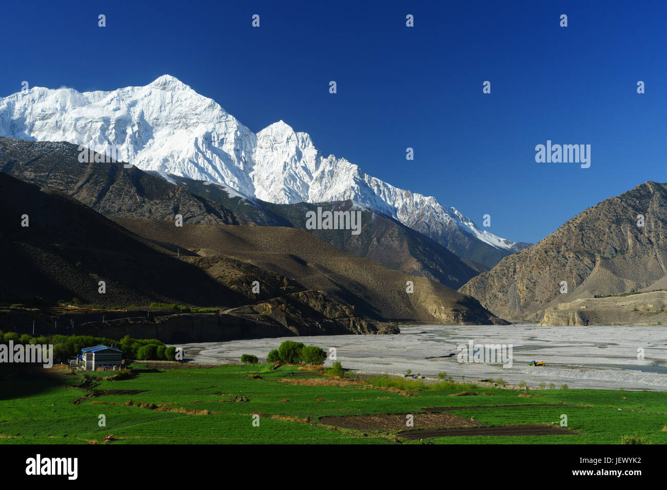 stunning-view-of-the-kali-gandaki-river-and-nilgiri-north-as-seen-JEWYK2.jpg