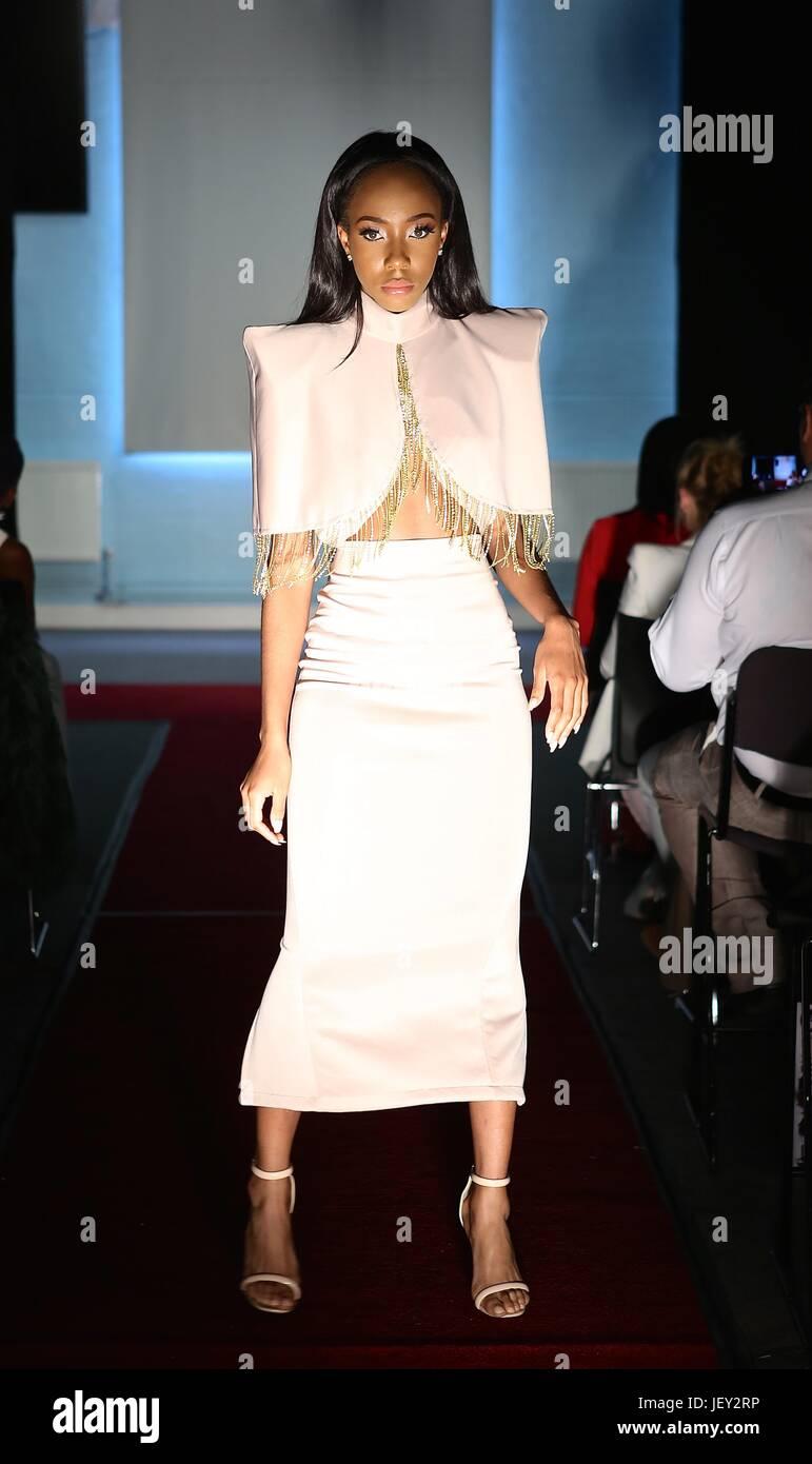 Victoria's Secret Fashion Show 2013: Snow Angel Behati 88